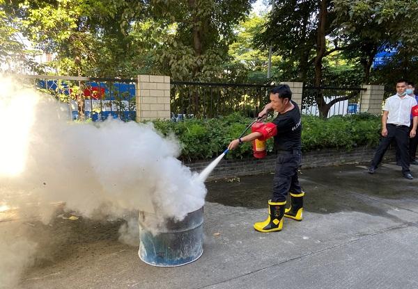2-深圳市居民家庭经济状况核对中心开展消防安全培训演练.jpg